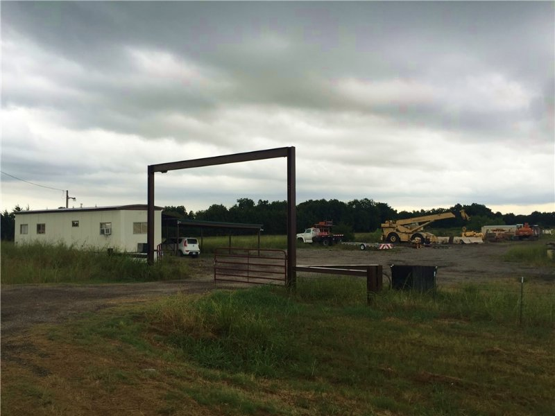5+ Commercial Acres / 13422268 : Bonham : Fannin County : Texas