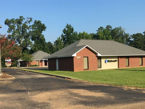 Office Park, Apache Dr : McComb : Pike County : Mississippi