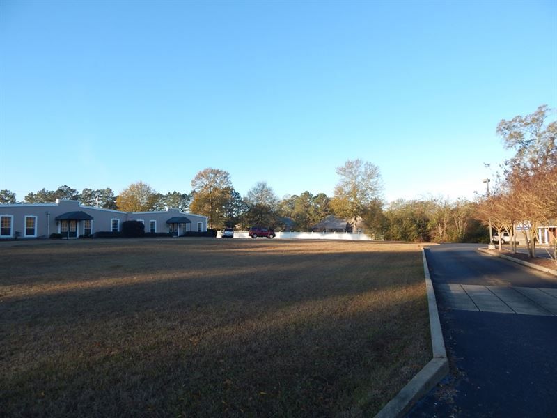 Apache Dr, Commercial Lot : McComb : Pike County : Mississippi