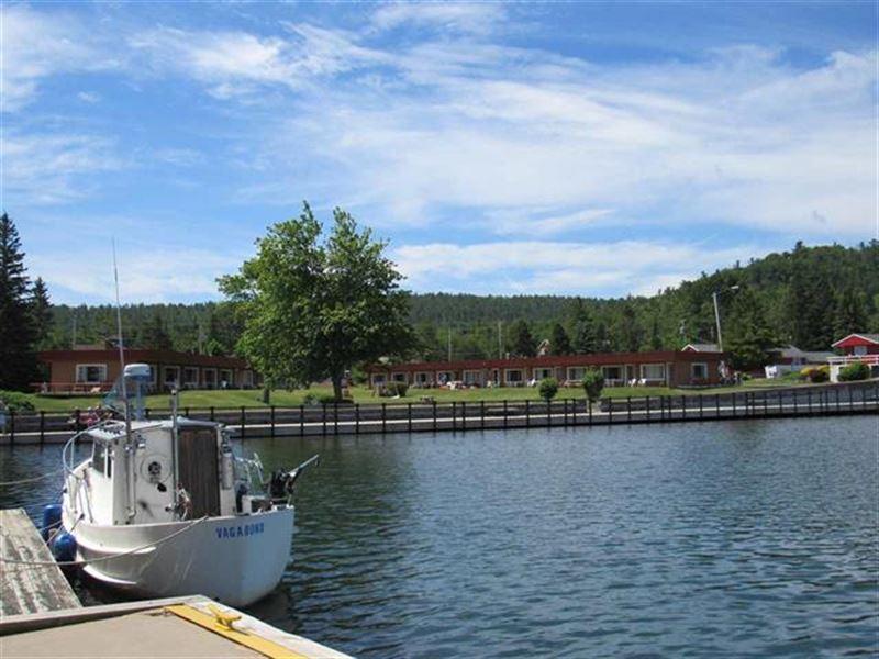King Copper Resort Mls 1103048 : Copper Harbor : Keweenaw County : Michigan