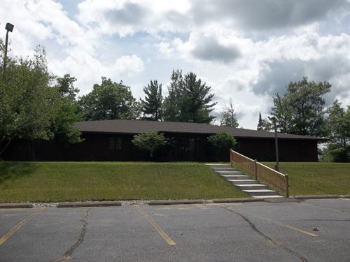 6582 W, US Hwy 2, Office Dickinson : Quinnesec : Dickinson County : Michigan