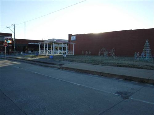 Corner Lots Downtown Hinton, Oklah : Hinton : Caddo County : Oklahoma