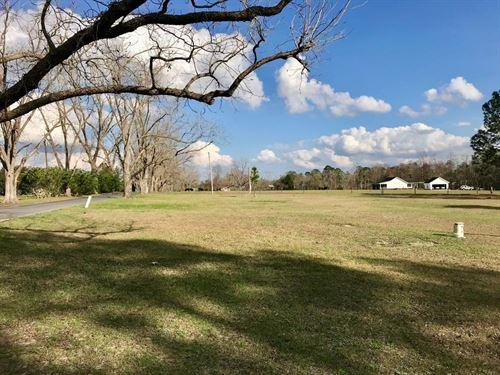Income Producing Lot Ready For Busi : Waycross : Ware County : Georgia