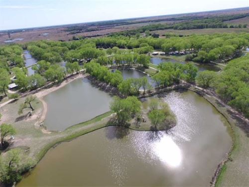 Petes Puddle 130 Acre Fish Farm : Burrton : Harvey County : Kansas
