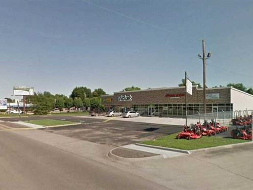 Commercial Retail Center For Sale : Kennett : Dunklin County : Missouri