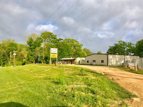 Hunting/Fishing Camp Or Restaurant : Woodville : Wilkinson County : Mississippi