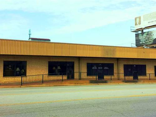 100 Occupied 5 Unit Office Buildi : Jacksonville : Cherokee County : Texas