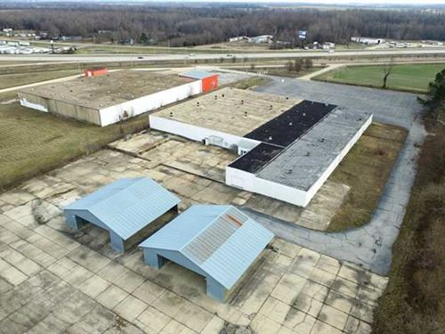 55,000 Sq Ft Multi-Use Building on : Poplar Bluff : Butler County : Missouri