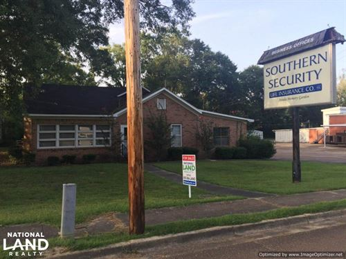 Office Building With Apartment : Kosciusko : Attala County : Mississippi