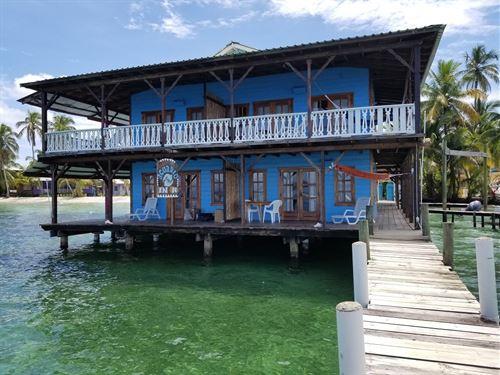Bed Breakfast Beach, Bocas Del Toro : Carenero : Panama