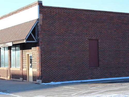 Commercial Building in Milaca : Milaca : Mille Lacs County : Minnesota