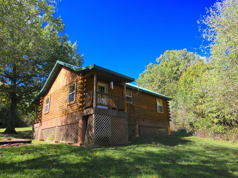 Commercial Log Cabin Rentals Oregon : Alton : Oregon County : Missouri