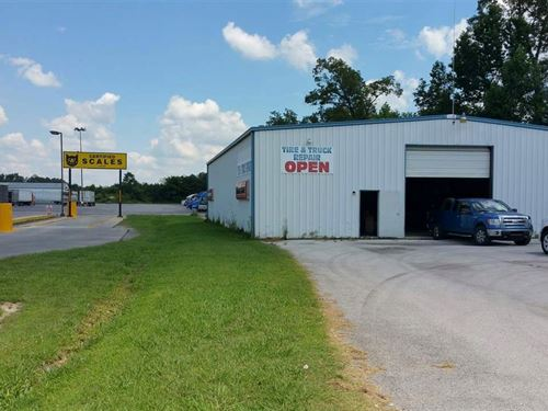 Former Tire & Truck Repair Shop : Manchester : Coffee County : Tennessee