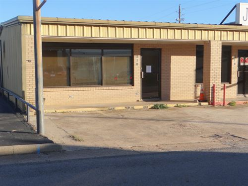 Commercial Office Retail Building : Winnsboro : Wood County : Texas