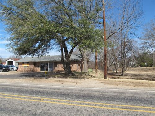 4 Commercial Buildings, East Texas : Winnsboro : Wood County : Texas