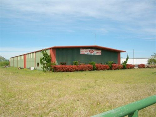 Winnsboro, Texas Larger Warehouse : Winnsboro : Wood County : Texas