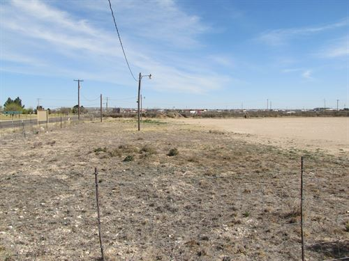 11.979 Acres Commercial Undeveloped : Fort Stockton : Pecos County : Texas