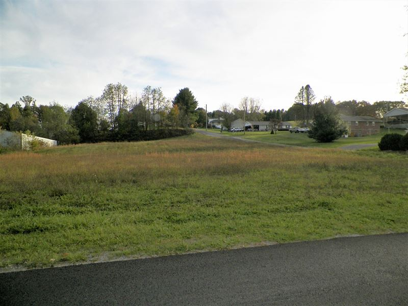 Beautiful Lot Downtown Rural : Rural Retreat : Wythe County : Virginia