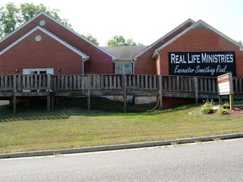 Multi Use Building 4 BR Home : Wytheville : Wythe County : Virginia