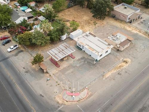Corner Commercial Building & Lot : Oroville : Butte County : California