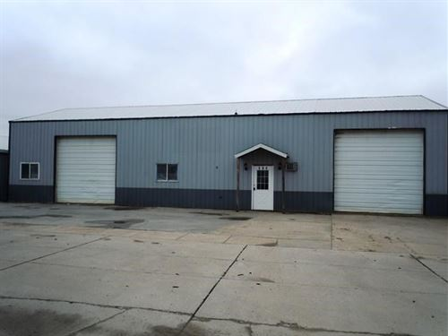 Commercial Steel Building 2304 Sq : Woodbine : Harrison County : Iowa