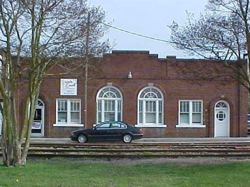 Commercial Building Downtown : Ahoskie : Hertford County : North Carolina