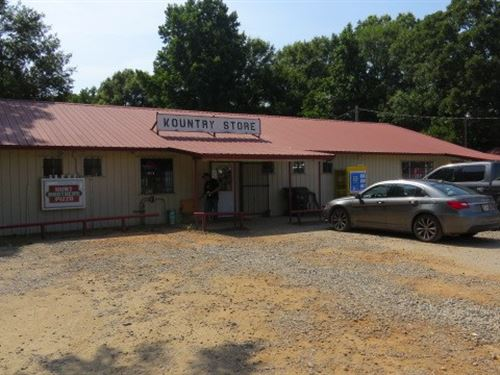 Commercial C-Store + Mobile Home : Broken Bow : McCurtain County : Oklahoma