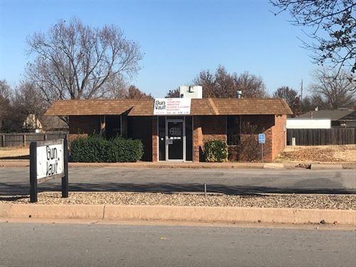 Commercial Property, Clinton, OK : Clinton : Custer County : Oklahoma