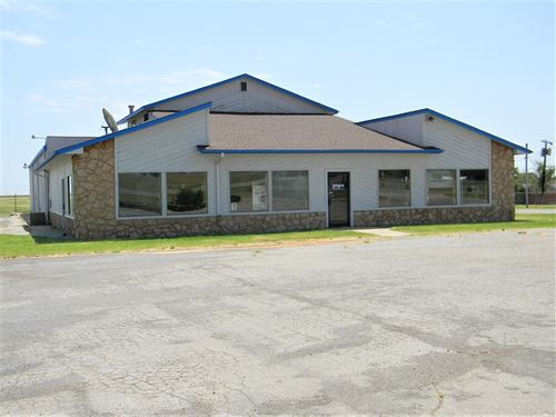 Commercial Building, Cordell, OK : Cordell : Washita County : Oklahoma