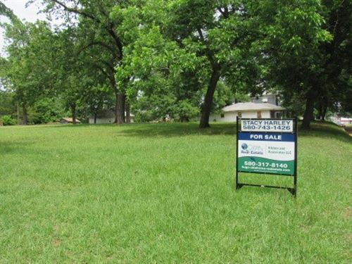 Commercial Corner Lot Downtown : Hugo : Choctaw County : Oklahoma
