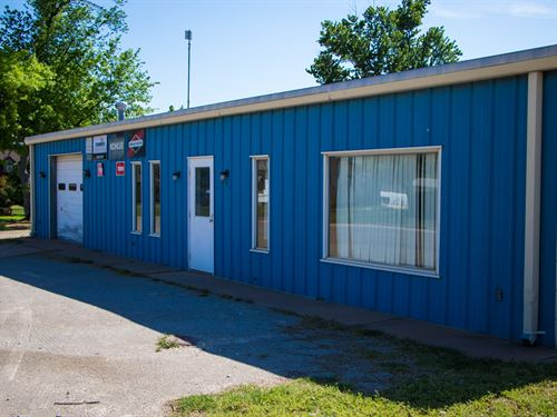 Perry Oklahoma Commercial Building : Perry : Noble County : Oklahoma