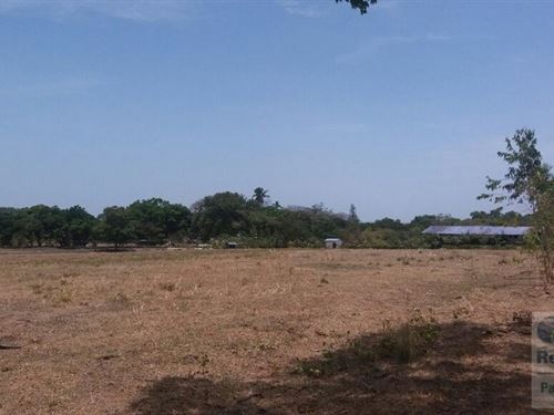Sale / Rent Inter-American Highway : Rio Hato : Panama