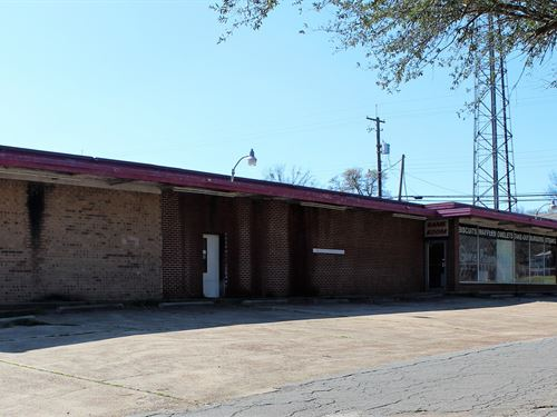Commercial Building East Texas : Naples : Morris County : Texas