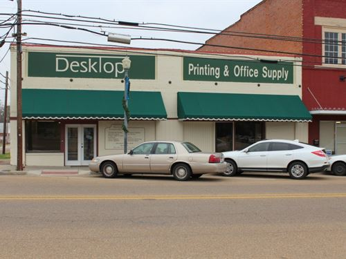 Prime Commercial Building Winnsboro : Winnsboro : Wood County : Texas