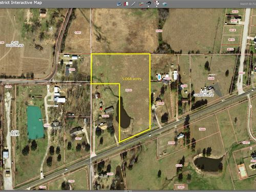5 Acres Just Outside City Limits : Winnsboro : Wood County : Texas