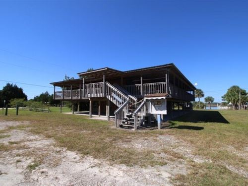 Commercial Building : Suwannee : Dixie County : Florida