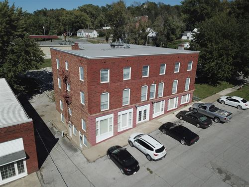 Historic Commercial Property, Great : Glasgow : Howard County : Missouri