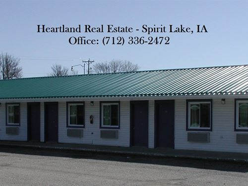 Motel Iowa Great Lakes Region : Spirit Lake : Dickinson County : Iowa