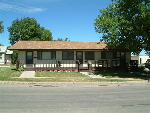 Mt Apartment Building Garage : Cut Bank : Glacier County : Montana