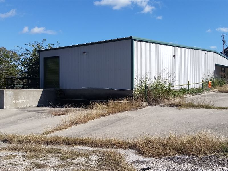 Warehouse With Loading Dock : Jonesboro : Coryell County : Texas