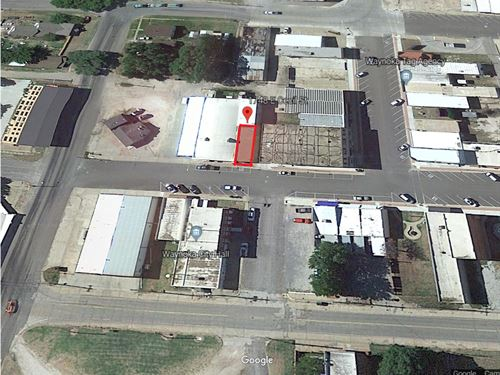 Commercial Building Loft Apartment : Waynoka : Woods County : Oklahoma