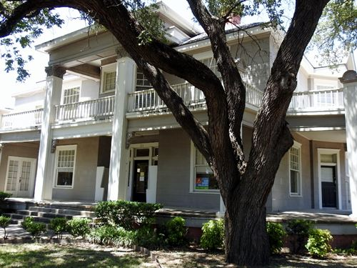 Large Multi-Suite Office, Temple : Temple : Bell County : Texas