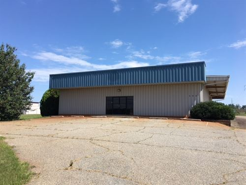 Industrial Warehouse Available : Perry : Houston County : Georgia