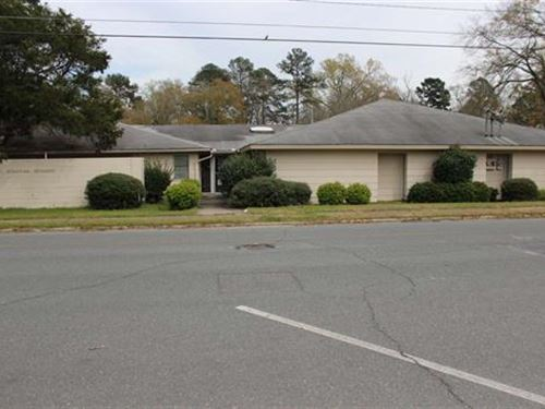 Large Commercial Space Available : Montezuma : Macon County : Georgia