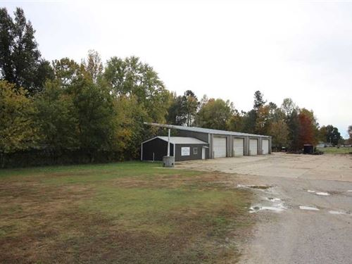 Multi-Use Commercial Building on 1 : Poplar Bluff : Butler County : Missouri