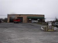 1.70 Acres, Deli, Store, Auto Shop : Lancing : Morgan County : Tennessee