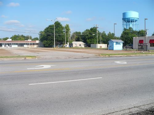 Price Reduced-Commercial Space : Miami : Ottawa County : Oklahoma