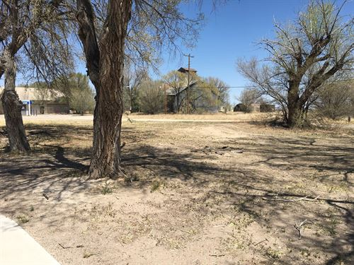 Commercial Property Located : Estancia : Torrance County : New Mexico