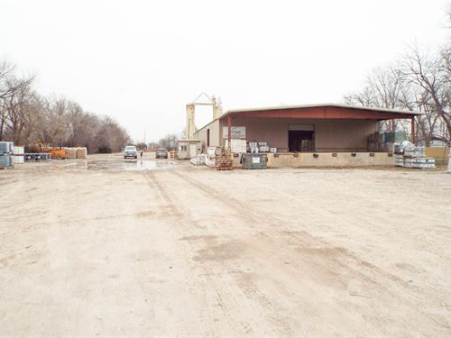 3.99 Acre Yard Rail Spur : Chickasha : Grady County : Oklahoma