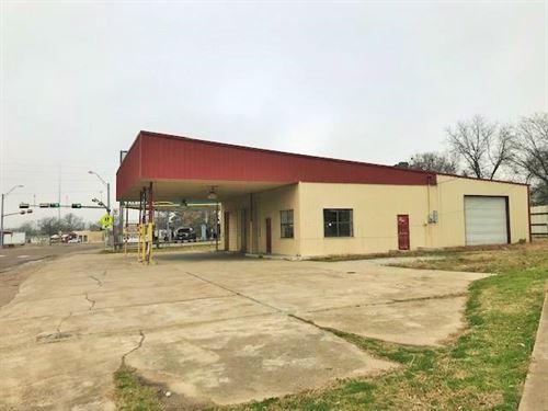 Commercial Mechanic Shop Building : De Kalb : Bowie County : Texas